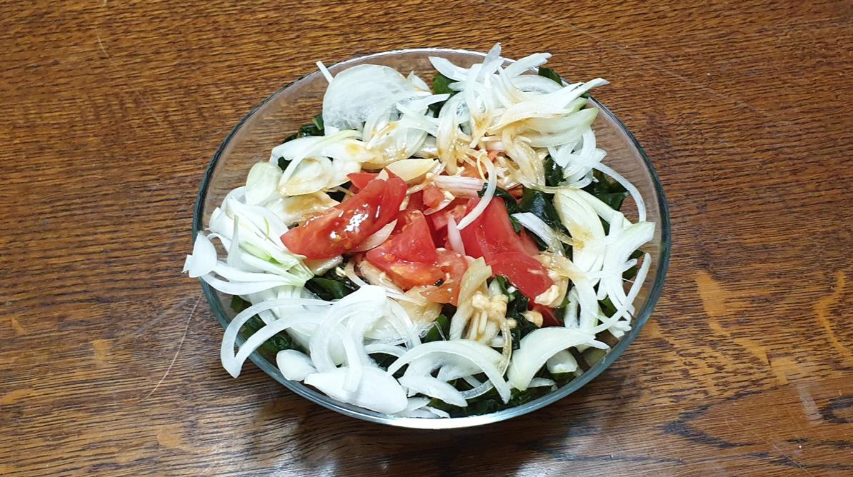 トマト☆わかめ☆玉ねぎの中華サラダ