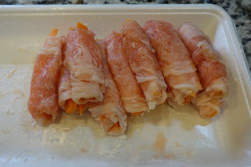 お弁当にニンジンの豚肉巻きをつくってみました。