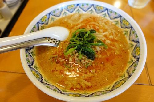 揚州商人で担々麺をいただきました。