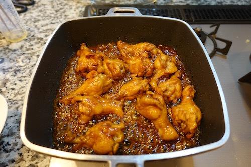 夕飯は鳥手羽元のさっぱり煮です。